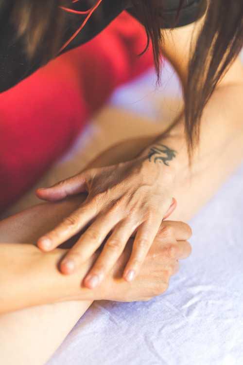 Massaggio sportivo decontratturante
